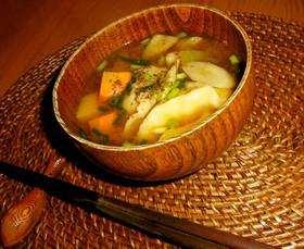 疲労回復&ツル肌☆夏のほうとう餃子スープ