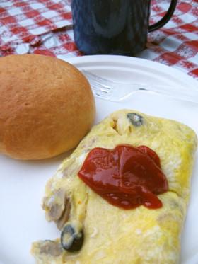 キャンプの朝食。バッグで茹でオムレツ