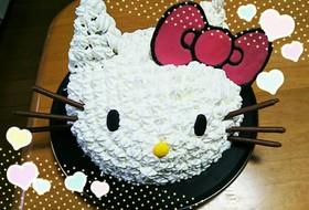 キティちゃんの立体ケーキ