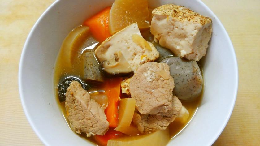 簡単!豚肉と根菜 蒟蒻と焼き豆腐の煮物!