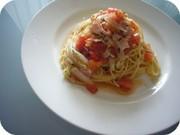 トマトとバジルの冷製パスタの写真