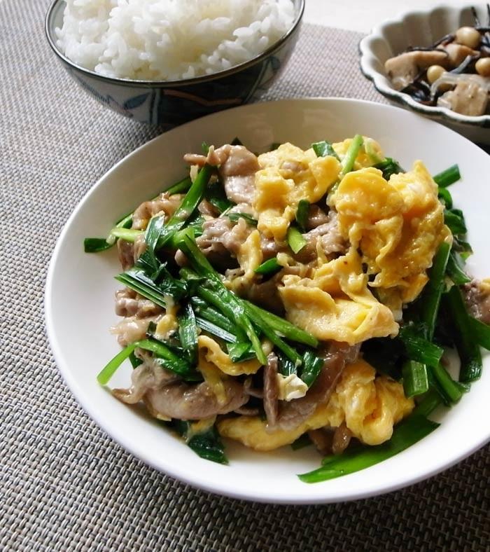ご飯ガッツリ!ニラ卵&豚コマ肉