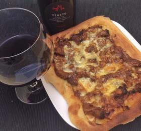 デミグラなピザ