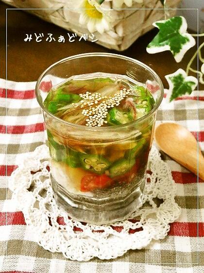 夏野菜とチアシードの冷製スープ
