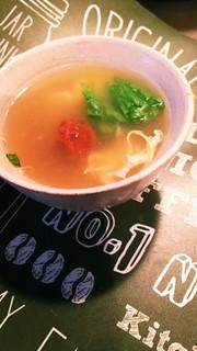 南高梅のレタススープの写真