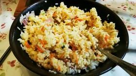 時短  生米をレンジでチンするチャーハン