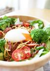 居酒屋風★パリパリ麺の温玉サラダ