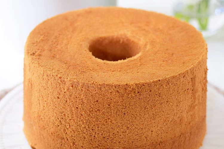 から 外す ケーキ タイミング シフォン 型 シフォンケーキを冷ます時間は最短で何分?逆さまにする理由って?