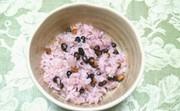 黒千石のピンク・パープル豆ご飯。の写真