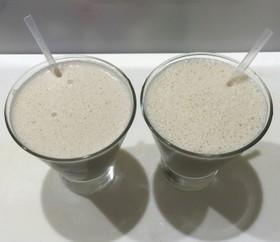 バナナ豆乳ヨーグルトきな粉ジュース
