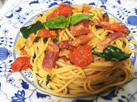 生バジル&トマトとベーコンの爽やかパスタ