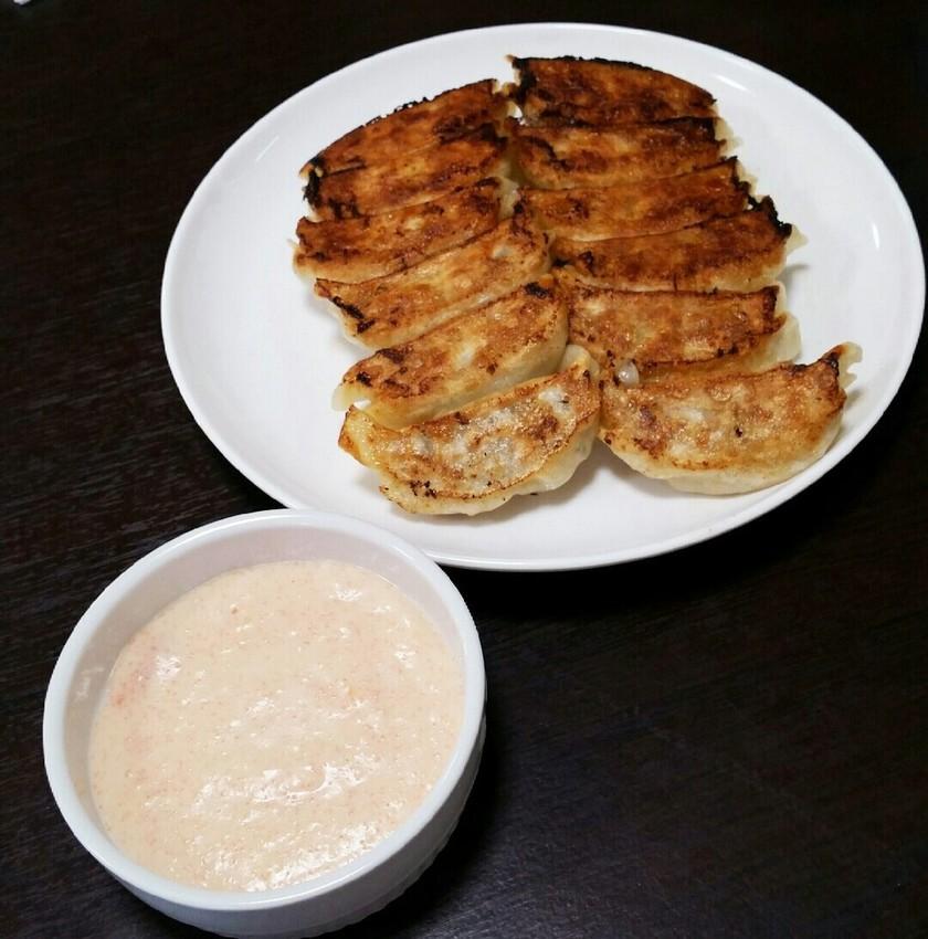 明太子チーズフォンデュで焼き餃子