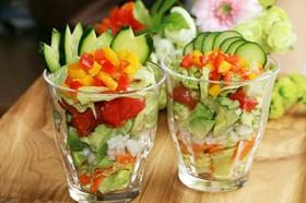 おもてなしに簡単彩り鮮やかカップサラダ♡