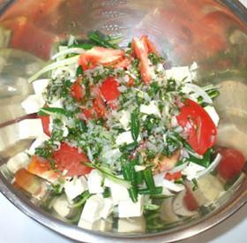 トマト豆腐サラダ♪簡単手作りドレッシング