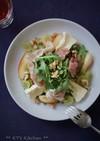 生ハムと桃、チーズのルッコラサラダ