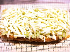 【ズボラ飯】油揚げのねぎ味噌マヨチーズ焼