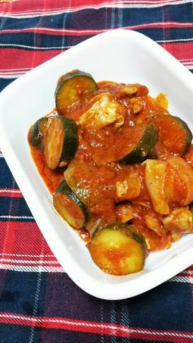 トマトソースで♪鶏肉と夏野菜のトマト煮