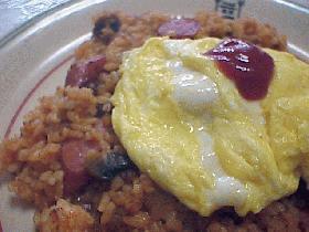 ふわふわ卵のケチャップチャーハン