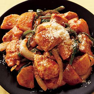 チキンとポテトのナポリタン炒め