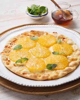 オレンジとはちみつのフルピザ