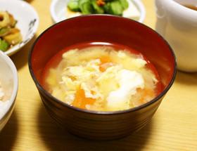 トマトと玉ねぎとたまごのお味噌汁