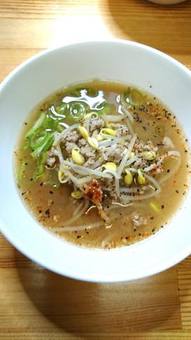 豆モヤシ♪節約☆味噌ラーメン風スープ