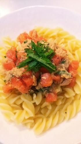☆簡単トマトとツナと大葉の冷製フジッリ☆