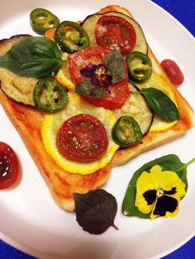 イタリアナス丸ズッキーニのピザ風トースト