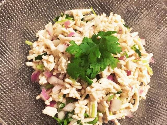 簡単タイ料理♬ラープガイ☆鶏肉のサラダ