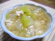 冬瓜と鶏そぼろの餡かけスープの写真
