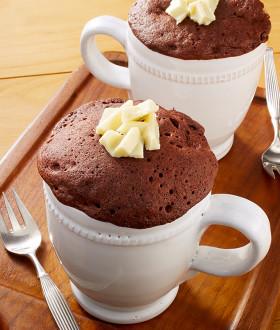 ココアとホワイトチョコのマグカップケーキ