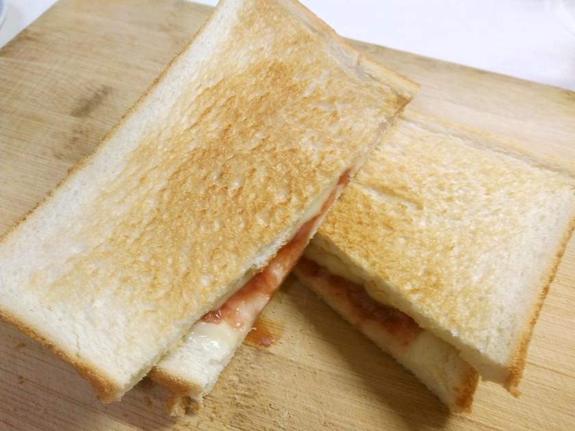 簡単で美味しいw酒盗トースト