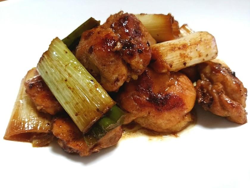 鶏もも肉とねぎのガーリックバター醤油炒め