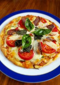 簡単手作り生地の塩トマトとサラミのピザ