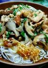 鶏とキノコの梅あんかけおろし蕎麦☆