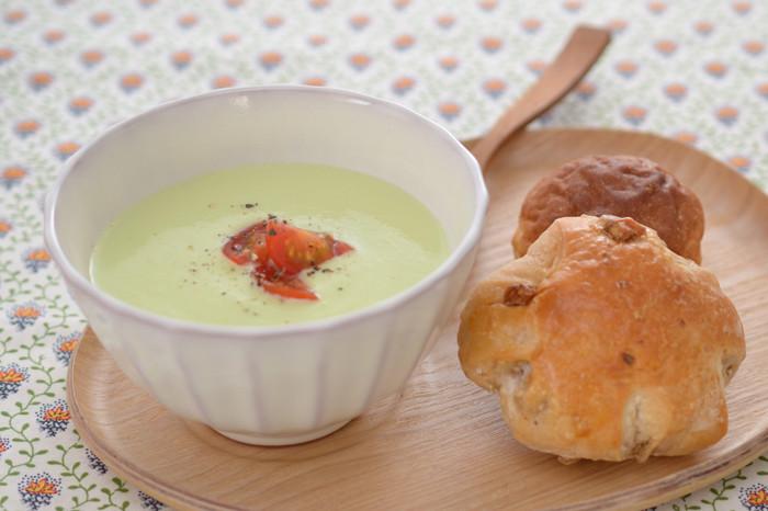 妊娠、授乳に!アボカドと豆腐の冷製スープ