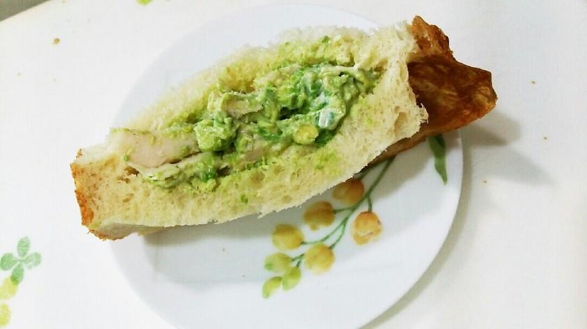 【マヨデリ】アボカドのゆず胡椒マヨサンド
