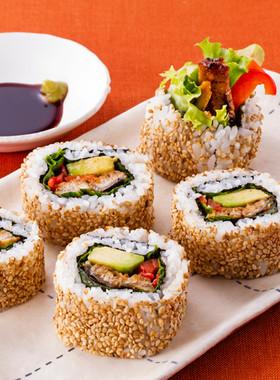 うなぎとアボカドのロール寿司