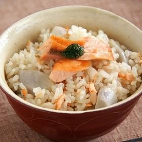 鮭と里芋の炊き込みご飯