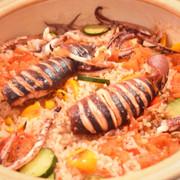 夏野菜とまるごとイカの土鍋パエリア☆☆の写真