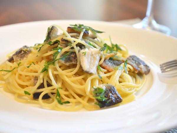 スパゲッティーニ 鮎のペペロンチーノ