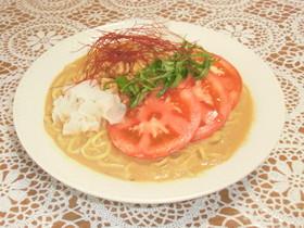 鶏そぼろとトマトの冷やし豆乳坦々麺