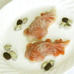 杞子冰皮月餅(クコの実あん月餅)