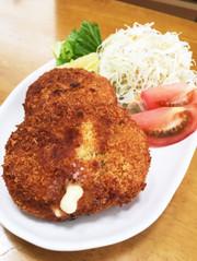 カリふわとろ〜り♡チーズイン鶏ミンチカツの写真
