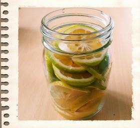 風邪予防 柚子やカボス、スダチの蜂蜜漬け