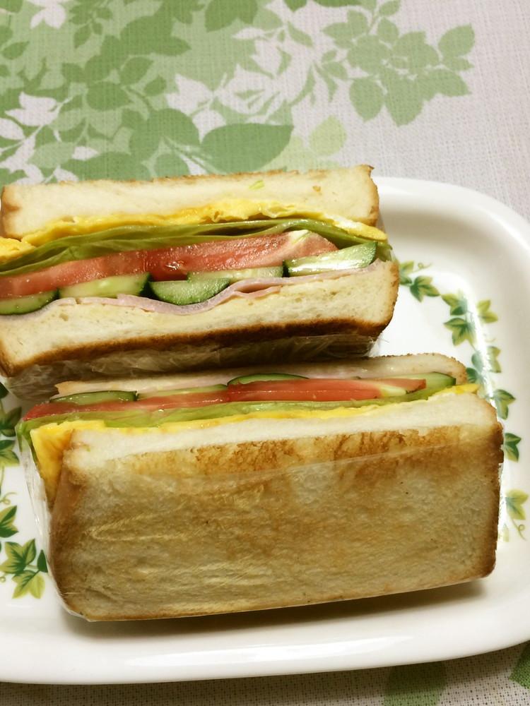 具だくさんの焼きサンドイッチ♡