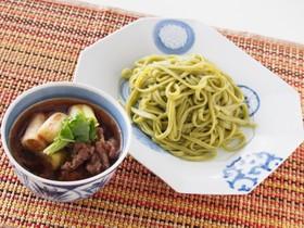 ツルムラサキ入り「翠麺」の牛つけ麺
