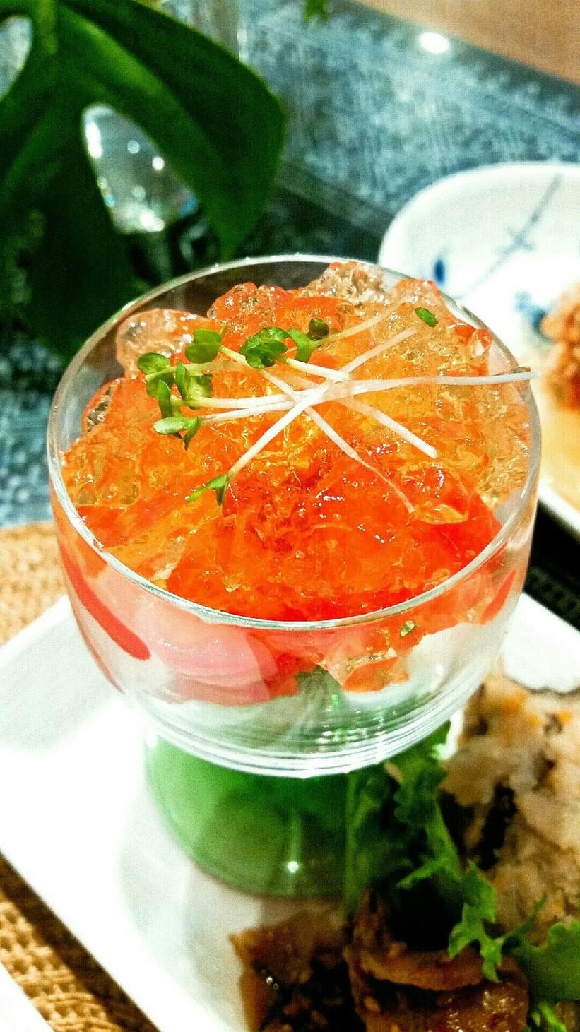 簡単前菜♪トマトのジュレのせ