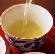 柿の葉茶の写真