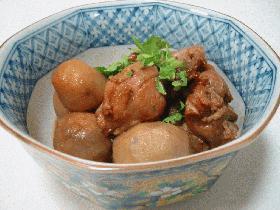 素揚げ鶏肉と里芋の煮物
